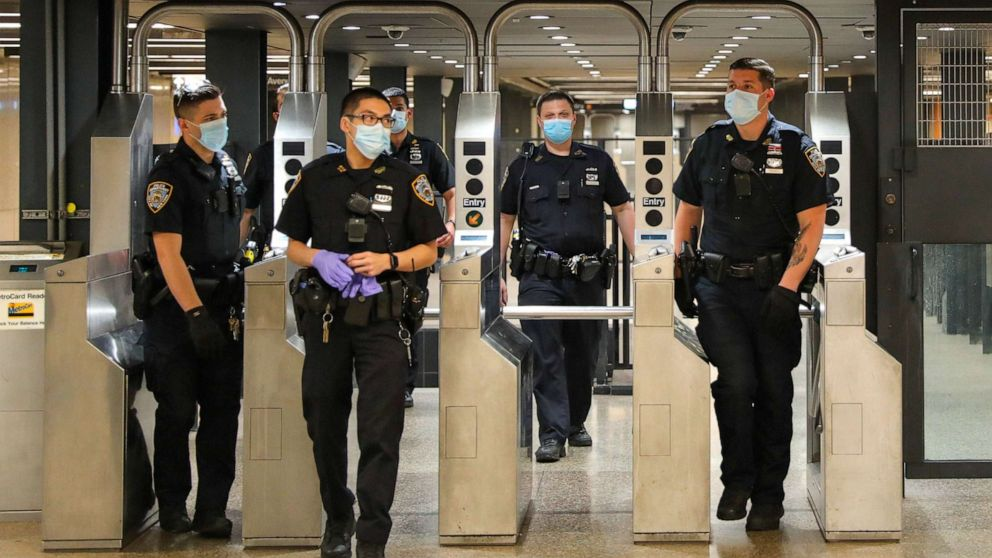 2 killed in 4 separate stabbing incidents on NYC subway line – ABC News