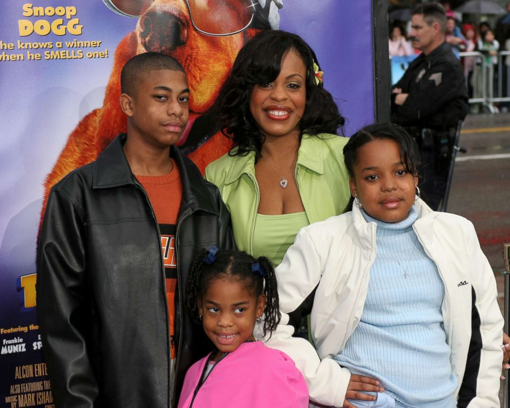 PHOTO: Niecy Nash and her family appear at the Los Angeles premiere of the film, Racing Stripes at Graumans Chinese Theatre in Hollwood, Calif., Jan. 8, 2005.