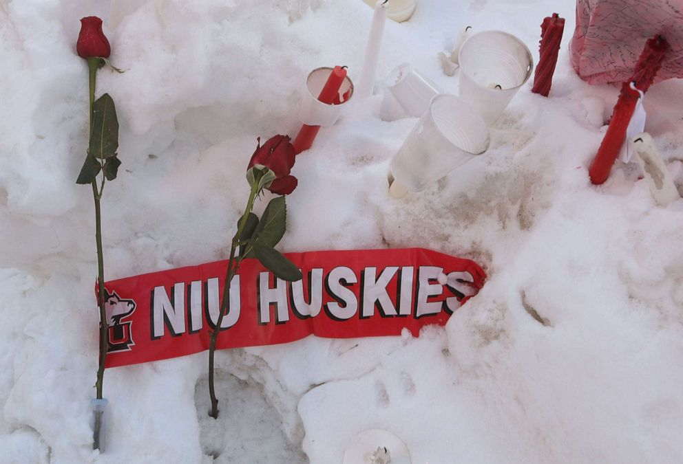 PHOTO:Roses rest in the snow outside the student center on the campus of Northern Illinois University following a shooting at Cole Hall, Feb. 15, 2008, in DeKalb, Ill.