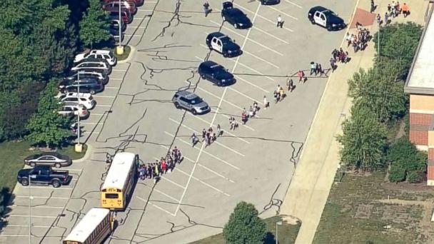 https://s.abcnews.com/images/US/noblesville-school-shooting-08-wrtv-jc-180525_hpMain_16x9_608.jpg
