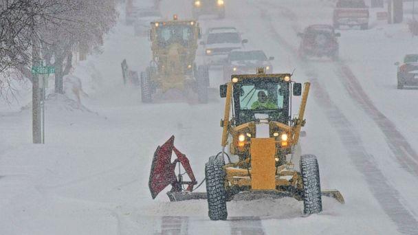 https://s.abcnews.com/images/US/north-dakota-snow-ap-mo-20190119_hpMain_16x9_608.jpg