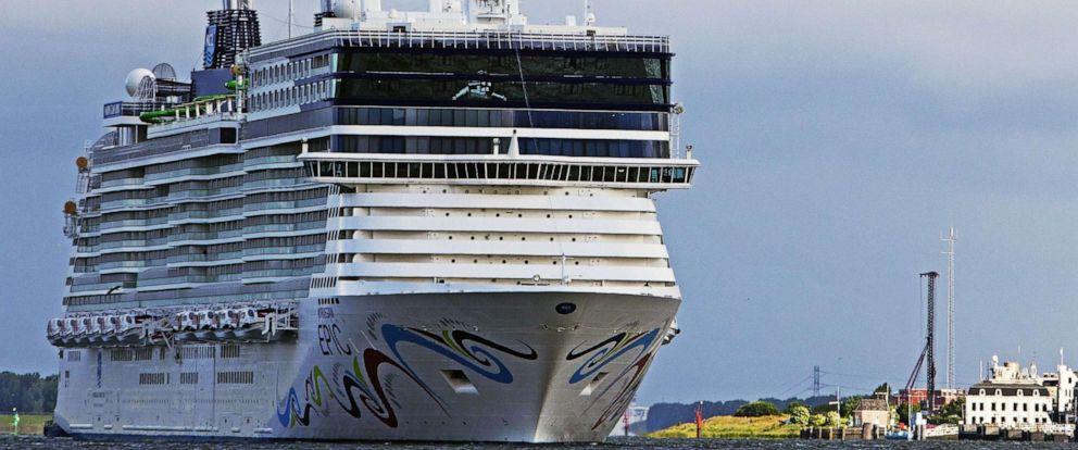 PHOTO: The Norwegian Epic cruiser arrives in Rotterdam, June 19, 2010.
