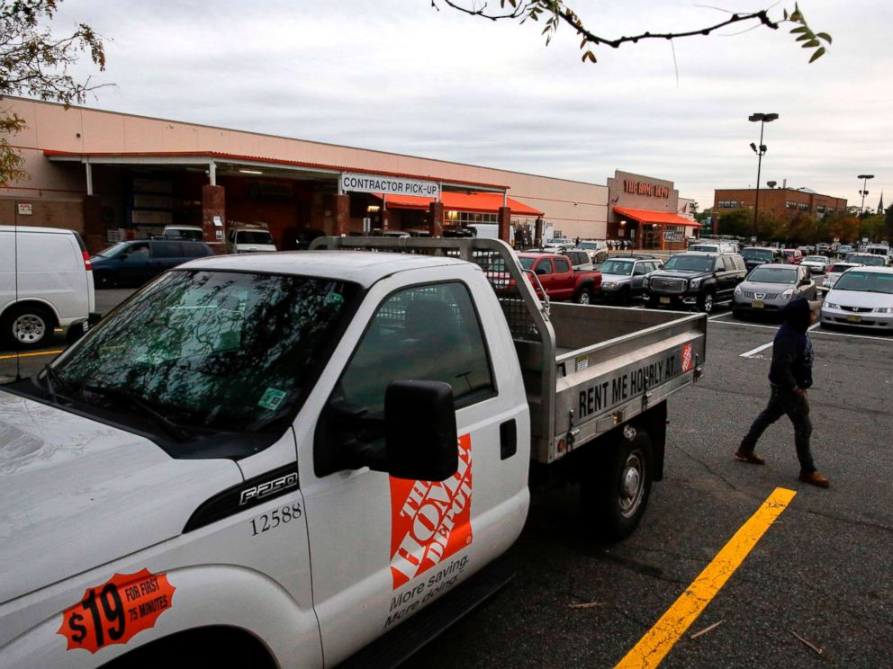 PHOTO: A truck to rent is seen in the parking lot of the Home Depot store where suspect Sayfullah Saipov rented a truck in Paterson, N.J., that he used in an attack in Manhattan, Nov. 1, 2017.