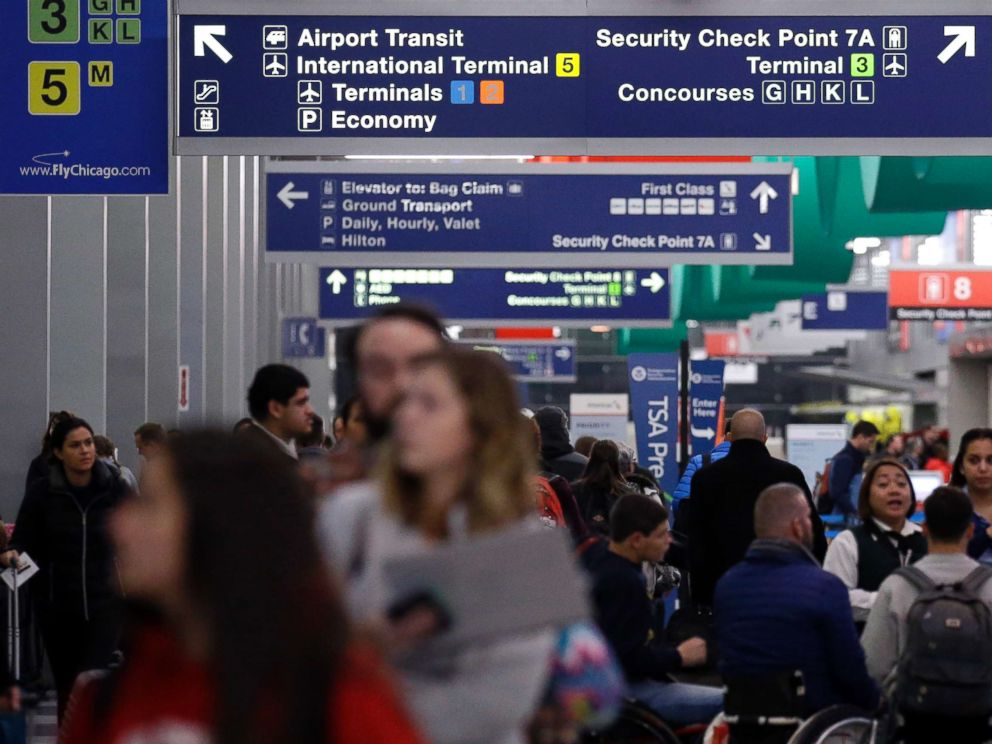 PHOTO: Passengers walk in Terminal 3 at OHare airport in Chicago, Nov. 21, 2017.