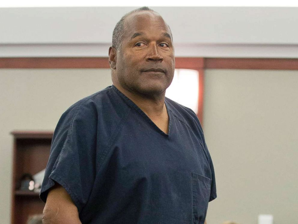 PHOTO: O.J. Simpson returns to the witness stand to testify after a break during an evidentiary hearing in Clark County District Court in Las Vegas, May 15, 2013.