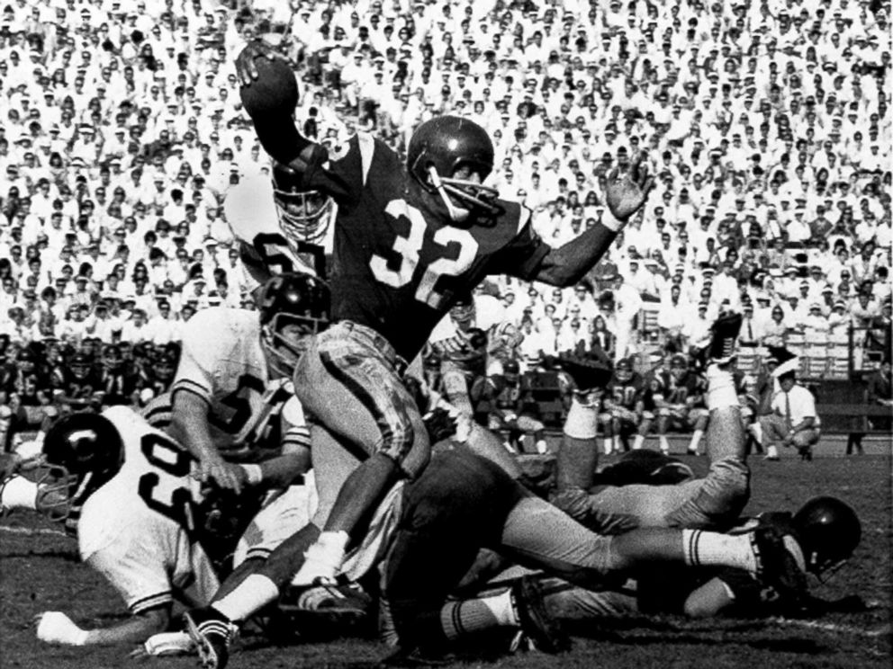 PHOTO: In this Nov. 9, 1968 file photo, Southern Californias O.J. Simpson runs against California during a college football game in Los Angeles.