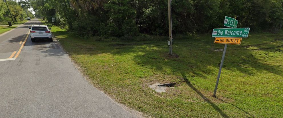 PHOTO: In this undated photo, Old Country Road in Lithia. Fla., is shown.