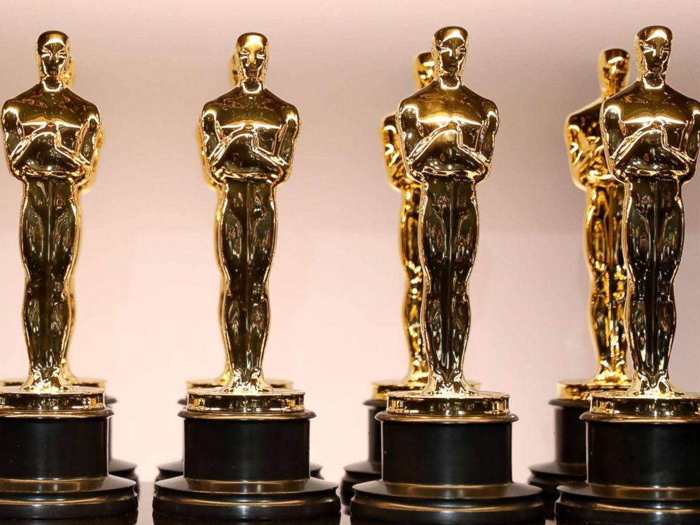 PHOTO: Oscar Statues.