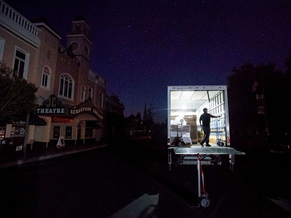 PHOTO: Armando Espinoza delivers paper products to a cafe in downtown Sonoma, Calif., where power is turned off, Oct. 9, 2019.