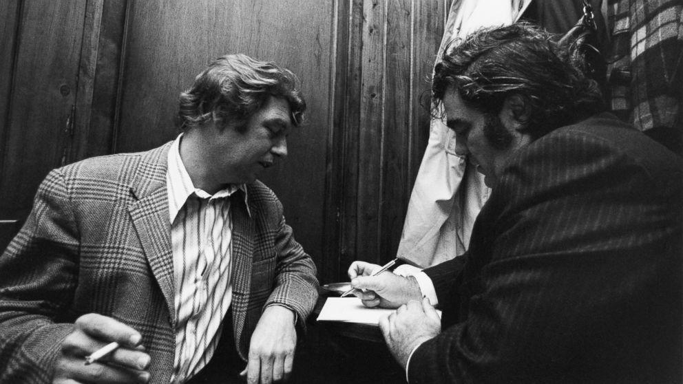 New York newspaper columnists Pete Hamill (l) and Jimmy Breslin.