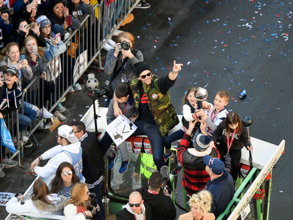 f1062f0be48594 New England Patriots' Super Bowl victory parade held in Boston - ABC ...