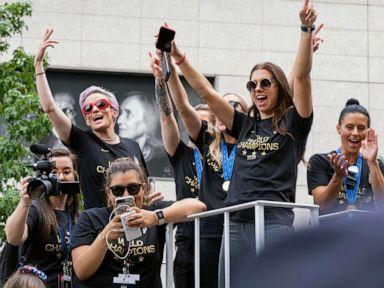 US women's soccer team set to celebrate at New York City ticker-tape parade