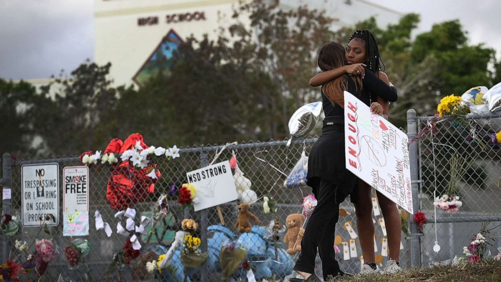 Temple memorial to Florida shooting victims to be burned
