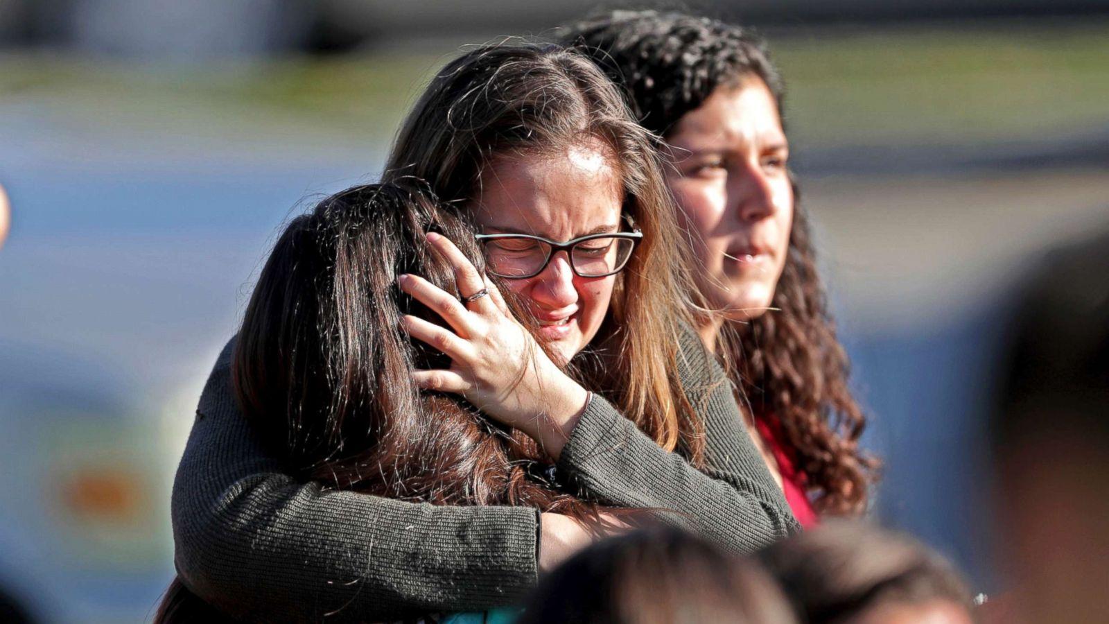 Überlebende des Massakers bei Teenagern — bild 5