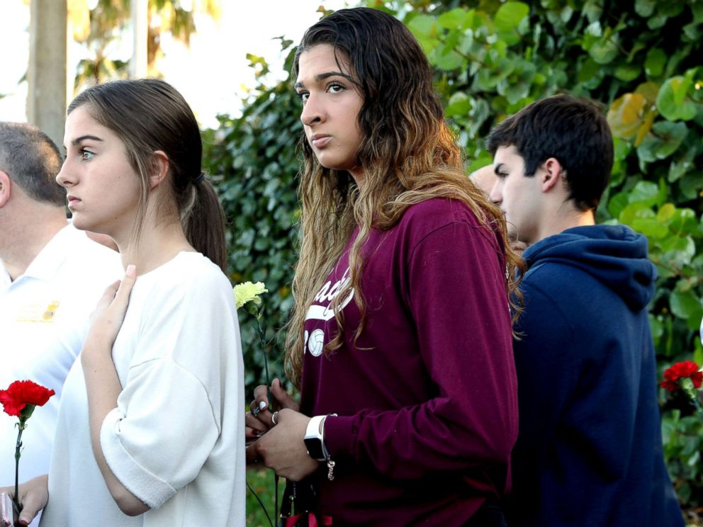PHOTO: Students arrive at Marjory Stoneman Douglas High School for the first time since the mass shooting in Parkland, Fla., Feb. 28, 2018.