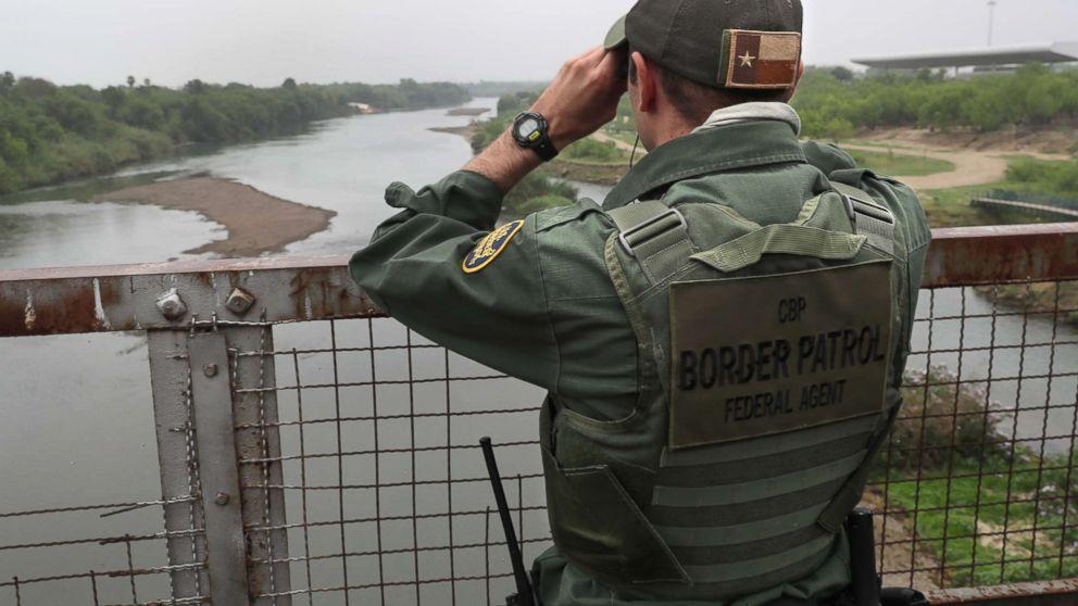 patrol-texas-gty-er-171120_16x9_992.jpg
