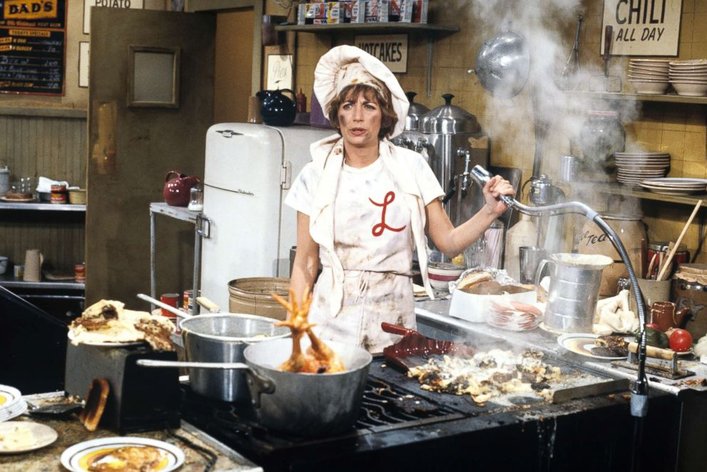 PHOTO: Penny Marshall appears in a scene from Laverne & Shirley.