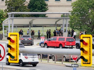 Police officer, suspect killed in shooting, stabbing incident at Pentagon: Sources