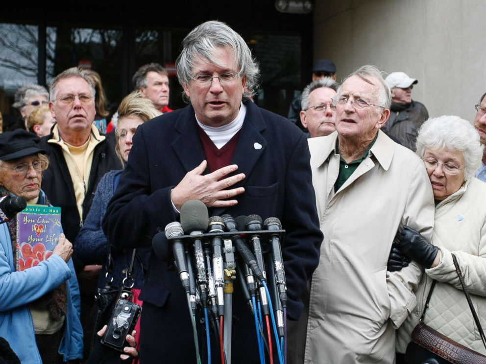 PHOTO: Dr. William A. Petit Jr., center, surrounded by members of the the Petit and Hawke family, reacts to the sentence given to Steven Hayes, not pictured, following jury deliberations Monday, Nov. 8, 2010, at the New Haven, Conn., County Courthouse.