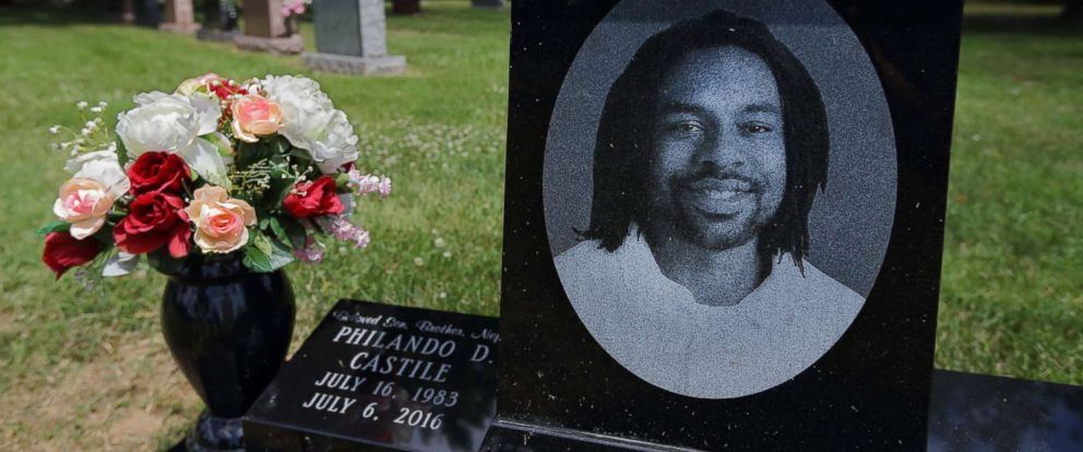 PHOTO: The grave of Philando Castile at Calvary Cemetery in St. Louis on the one-year anniversary of his death, July 6, 2017.