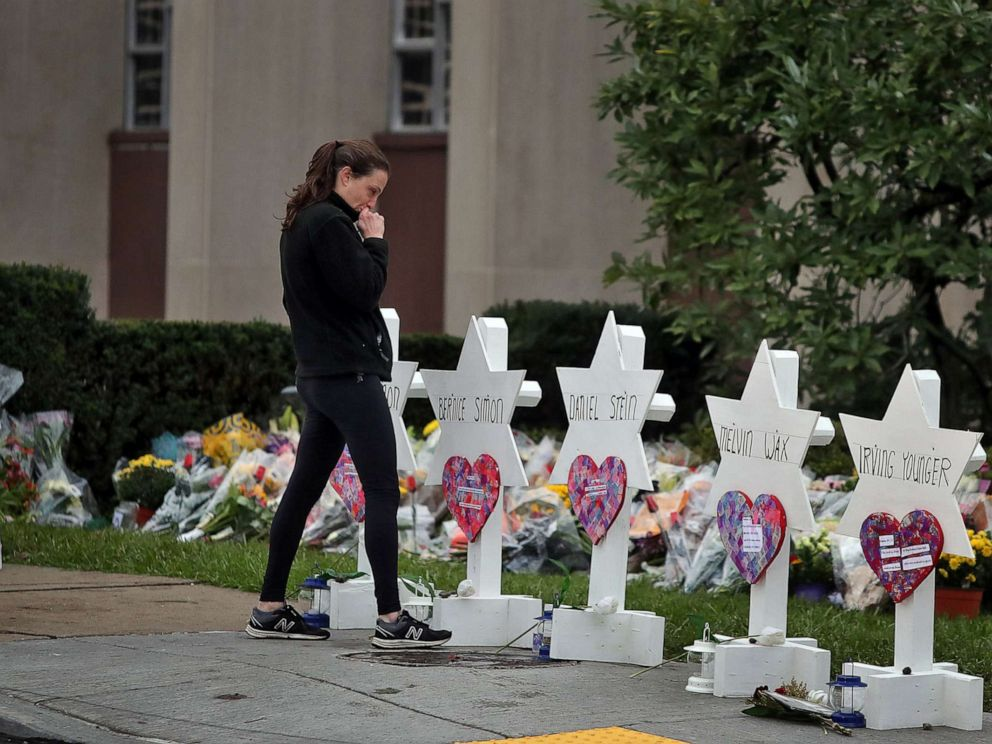 PHOTO: A woman reacts at a makeshift memorial outside the Tree of Life synagogue following Saturdays shooting at the synagogue in Pittsburgh, Penn., Oct. 29, 2018.