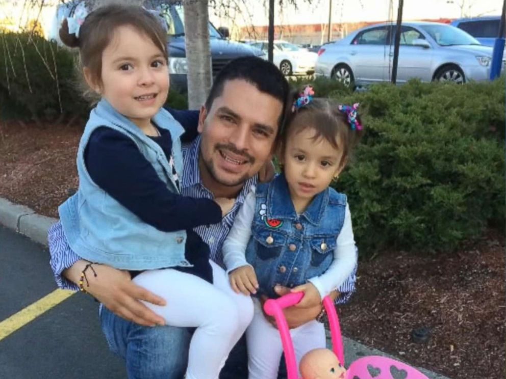 Judge halts deportation of detained NYC pizza delivery man