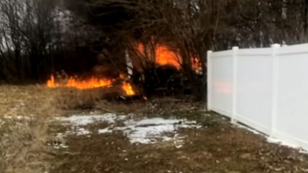 Small plane crash in Illinois kills all 3 people and dog onboard