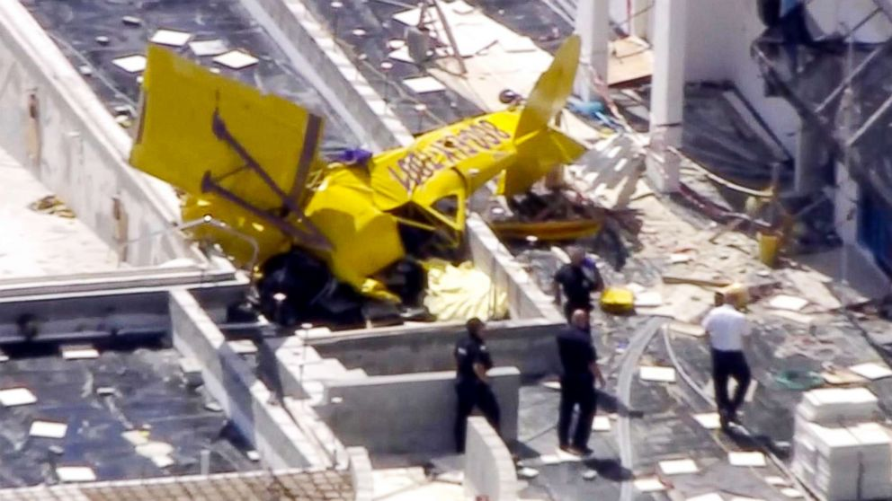 Small plane crashes into Fort Lauderdale, Florida, condo building, killing pilot thumbnail