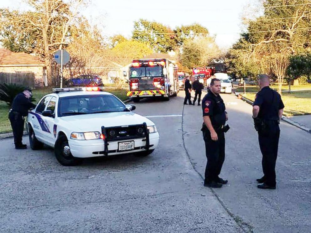 PHOTO: Police respond to the scene of an apparent self-inflicted gunshot injury in Texas.