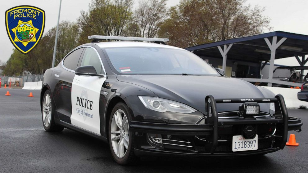 Tesla police vehicle ran out of power during a car chase