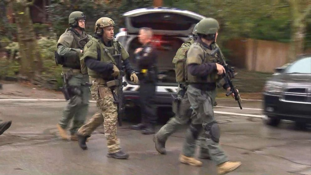 Police at the scene in Pittsburgh where an active shooter was reported, Oct. 27, 2018.