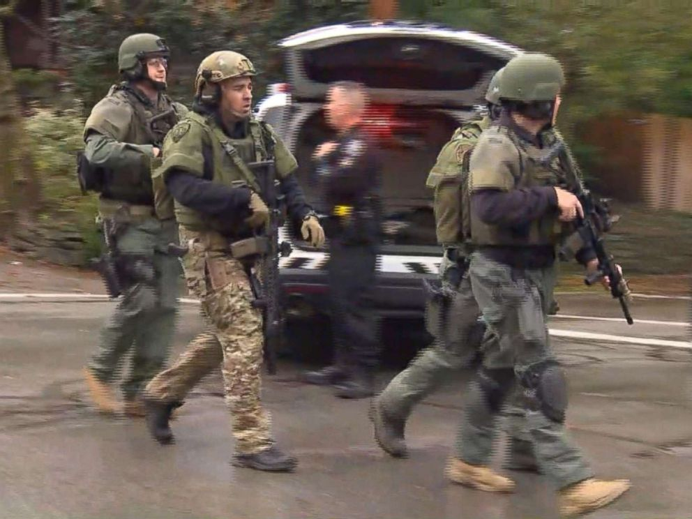 PHOTO: Police at the scene in Pittsburgh where an active shooter was reported, Oct. 27, 2018.