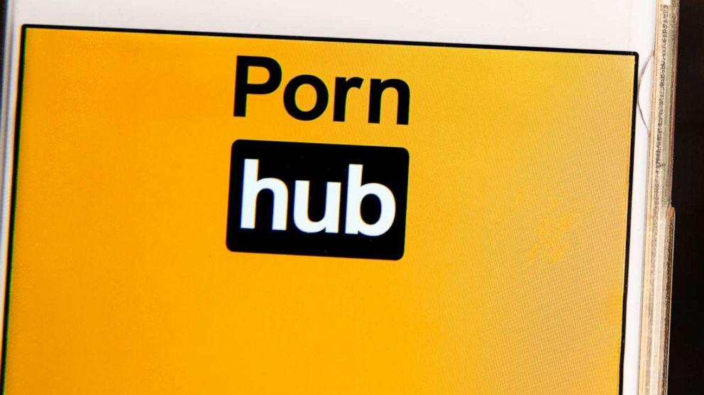 Gehörlosen Mann klagt PornHub über fehlende Untertitel