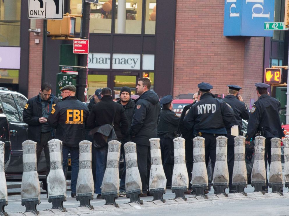 PHOTO: FBI and police respond to a reported explosion at the Port Authority Bus Terminal, Dec. 11, 2017, in New York City.