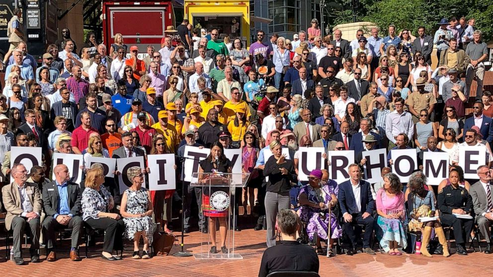 Portland mayor decries hate ahead of expected demonstrations thumbnail