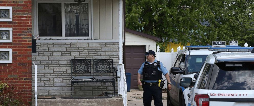 PHOTO: Chicago police watch over a home in Chicago, May 15, 2019, where Marlen Ochoa-Uriostegui who had gone to a Chicago home in response to a Facebook offer of free baby clothes was strangled and her baby cut from her womb.
