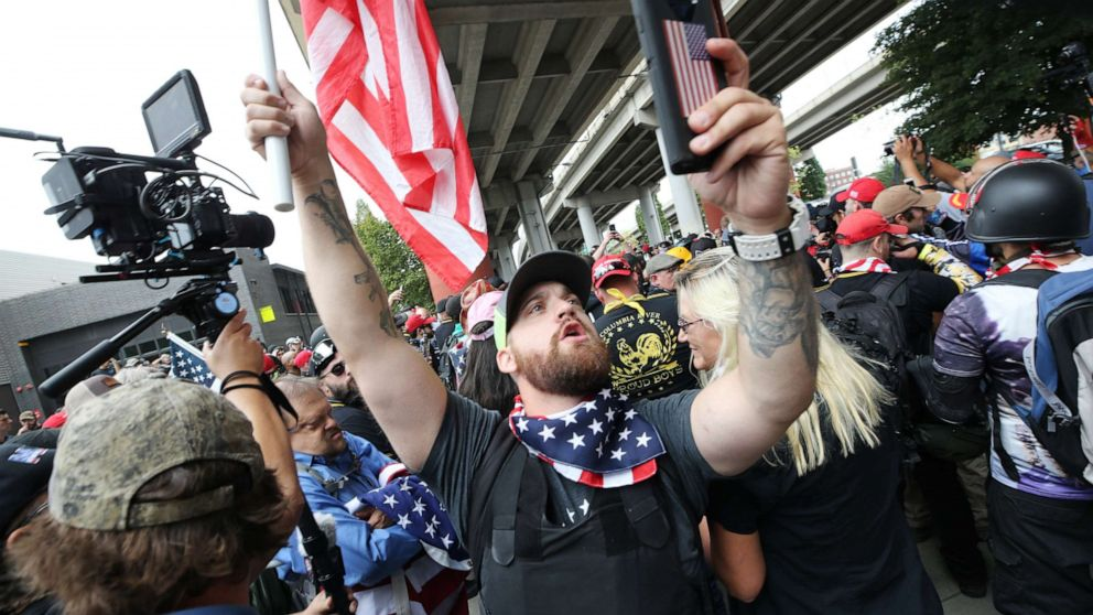 13 arrested, 6 injured at Portland right wing rally: Police thumbnail