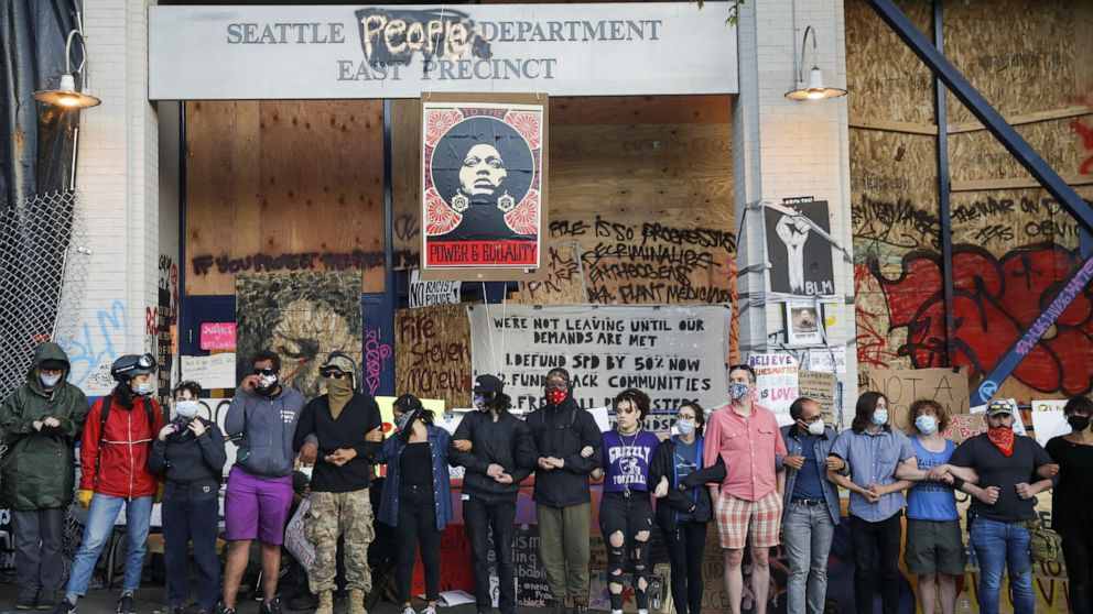 Seattle will work to deescalate and dismantle 'CHOP' autonomous zone, mayor says thumbnail