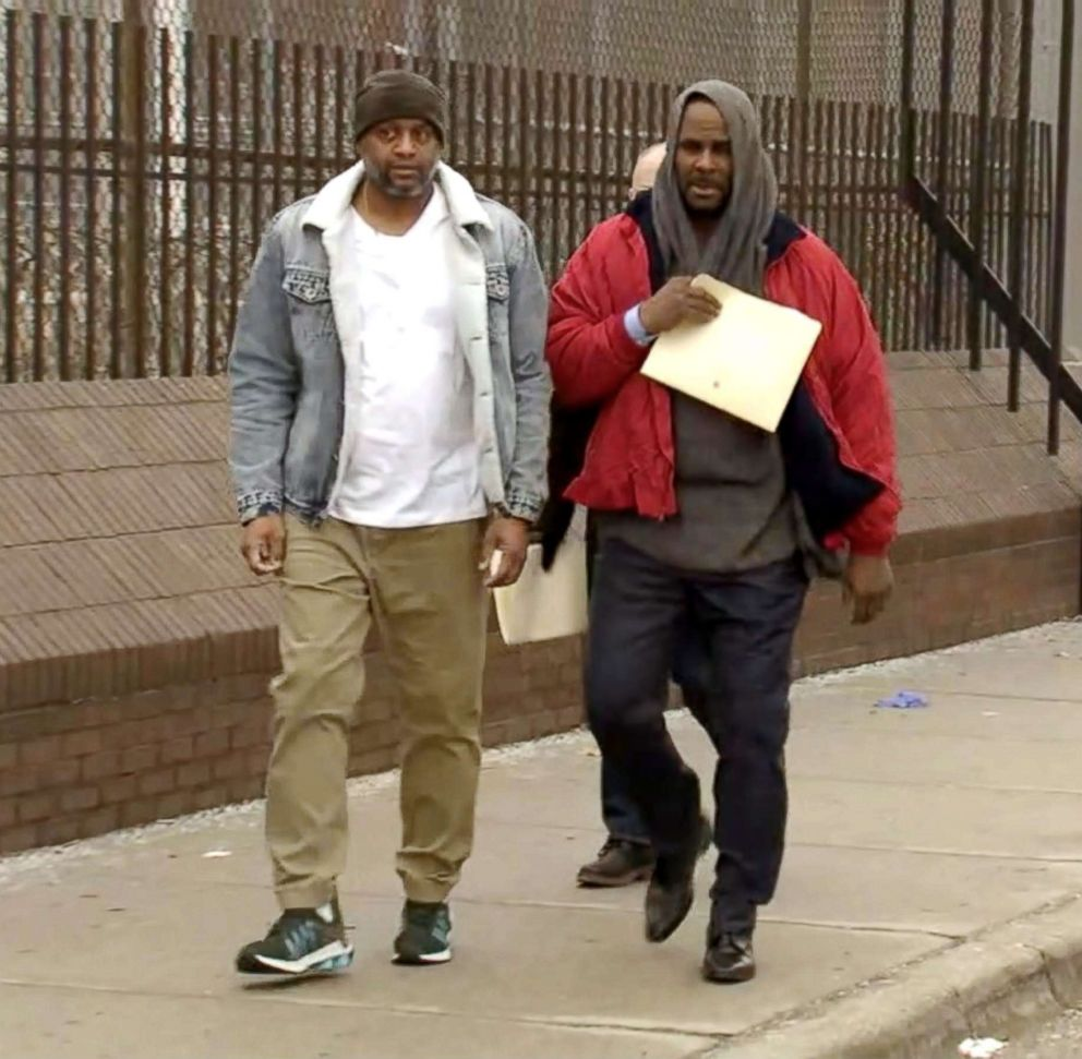 PHOTO: R-Kelly is released from jail in Chicago, March, 09, 2019.