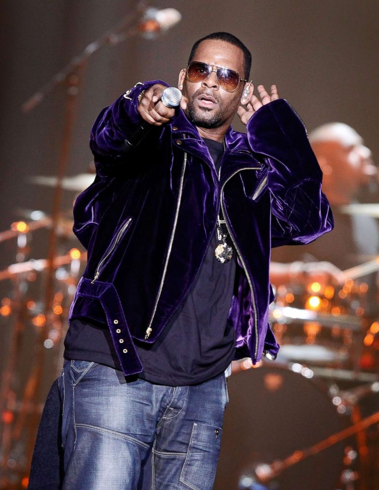 PHOTO: R. Kelly performing during a concert in Amsterdam, April 19, 2011.