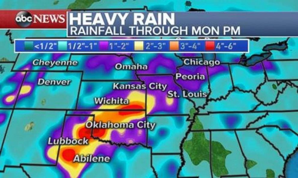 PHOTO: As much as 6 inches of rain could fall through Monday in northern Texas, Oklahoma and eastern Kansas.