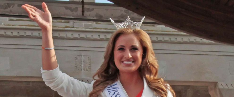 PHOTO: Ramsey Carpenter, Miss Kentucky enters during opening ceremonies at Atlantic City Boardwalk Hall, Sept. 3, 2014, in Atlantic City.