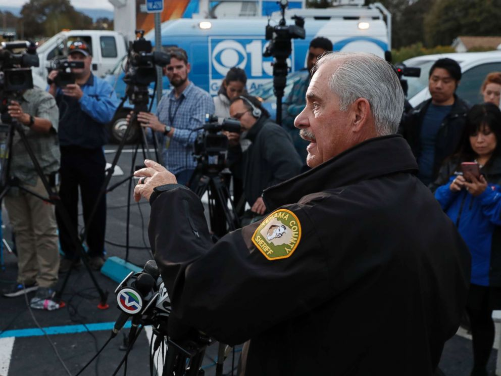 PHOTO: Tehama county assistant Sheriff Phil Johnston holds a briefing in the small community of Rancho Tehama, Calif. where a gunman killed at least four people in a violent rampage, Nov. 14, 2017.