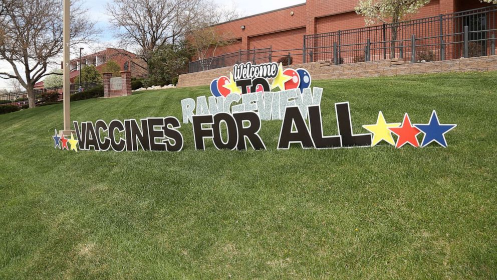 Student-organized COVID-19 vaccine clinic at Colorado high school gives out  over 800 shots - ABC News
