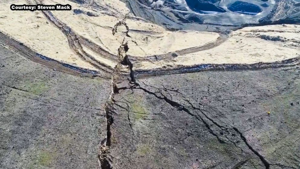 PHOTO: Geologists first discovered the crack formed on Rattlesnake Ridge in south-central Washington state in October. 2017.