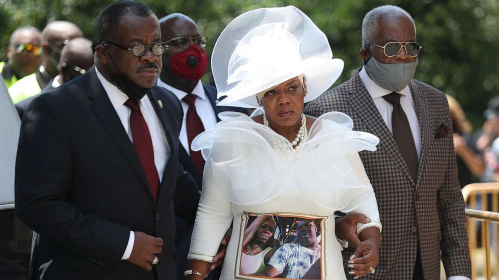 MLK's daughter shares message with Rayshard Brooks' children at funeral thumbnail