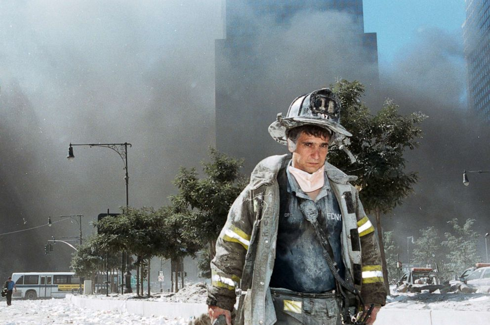 https://s.abcnews.com/images/US/remembering-9-11-attack-08-gty-jef-180910_hpEmbed_1_3x2_992.jpg