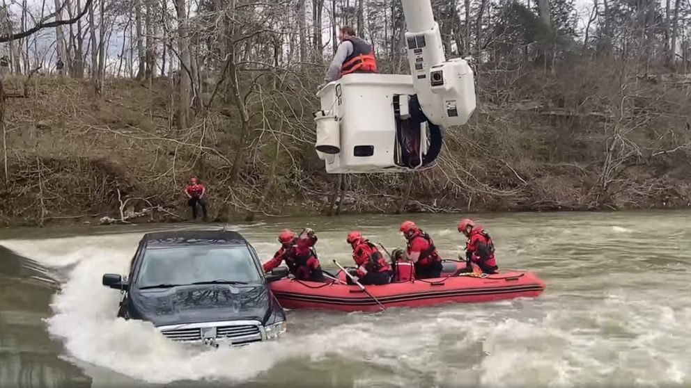 Authorities rescue 5 from truck trapped in flooded creek in Tennessee