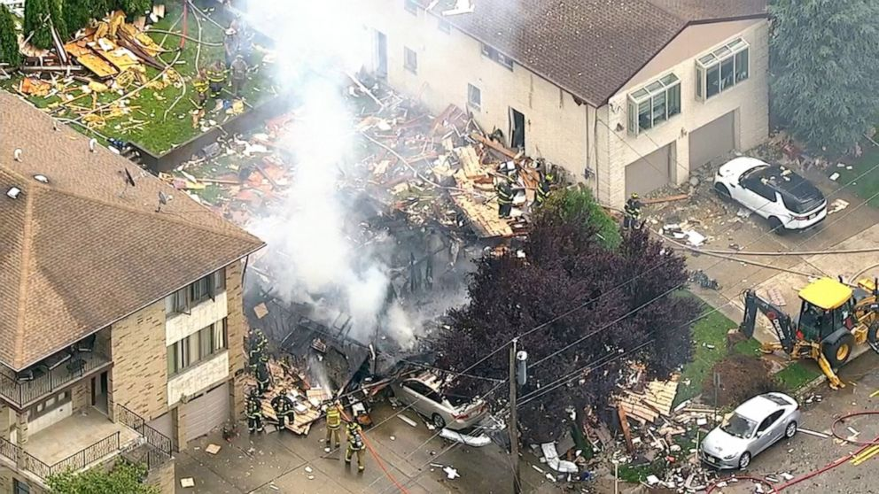 Explosion levels home, off-duty officer pulls injured victim from rubble thumbnail
