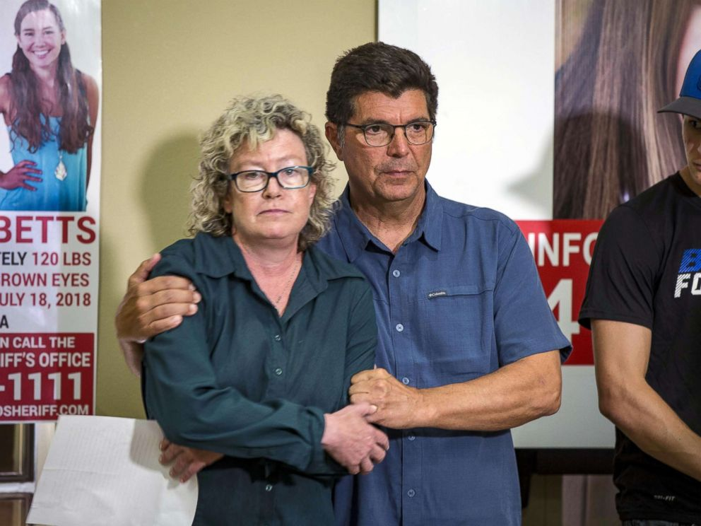 PHOTO: Laura Calderwood and Rob Tibbetts, the parents of missing of Iowa student Mollie Tibbetts, hold each other during a press conference for the Bring Mollie Tibbetts Home Safe reward fund in Brooklyn, Iowa, Aug. 2, 2018.